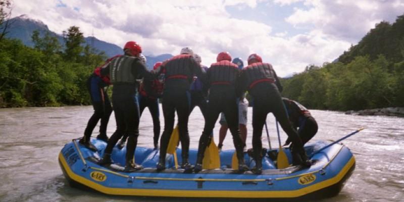 Wildwasser Rafting als teamevent
